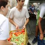 Para combater a fome no Brasil, grupo recolhe comida que iria para o lixo e alimenta mais de 1,6 milhão de brasileiros