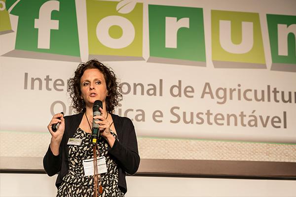 Denise Godinho, da Federação Internacional do Movimento de Agricultura Orgânica Foto: Primeira Página