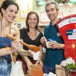 Durante a Bio Brazil Fair Pedro Paulo Diniz forno e fogão cozinha em evento natural e orgânico