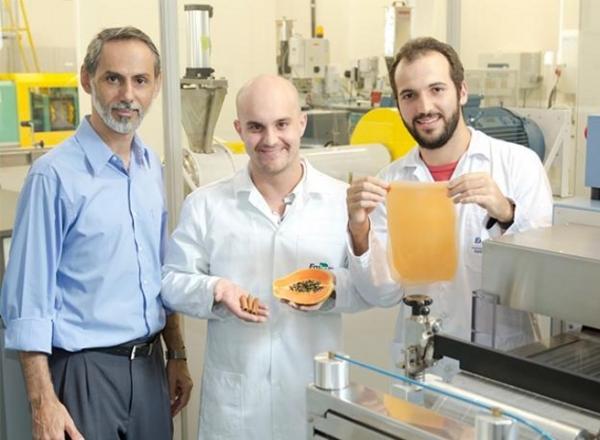 pesquisadores-brasileiros-desenvolvem-plastico-organico-comestivel