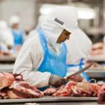 Associações criticam como a investigação foi divulgada e defendem a carne brasileira