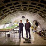 Abrigo antibomba da 2ª Guerra vira fazenda subterrânea em Londres